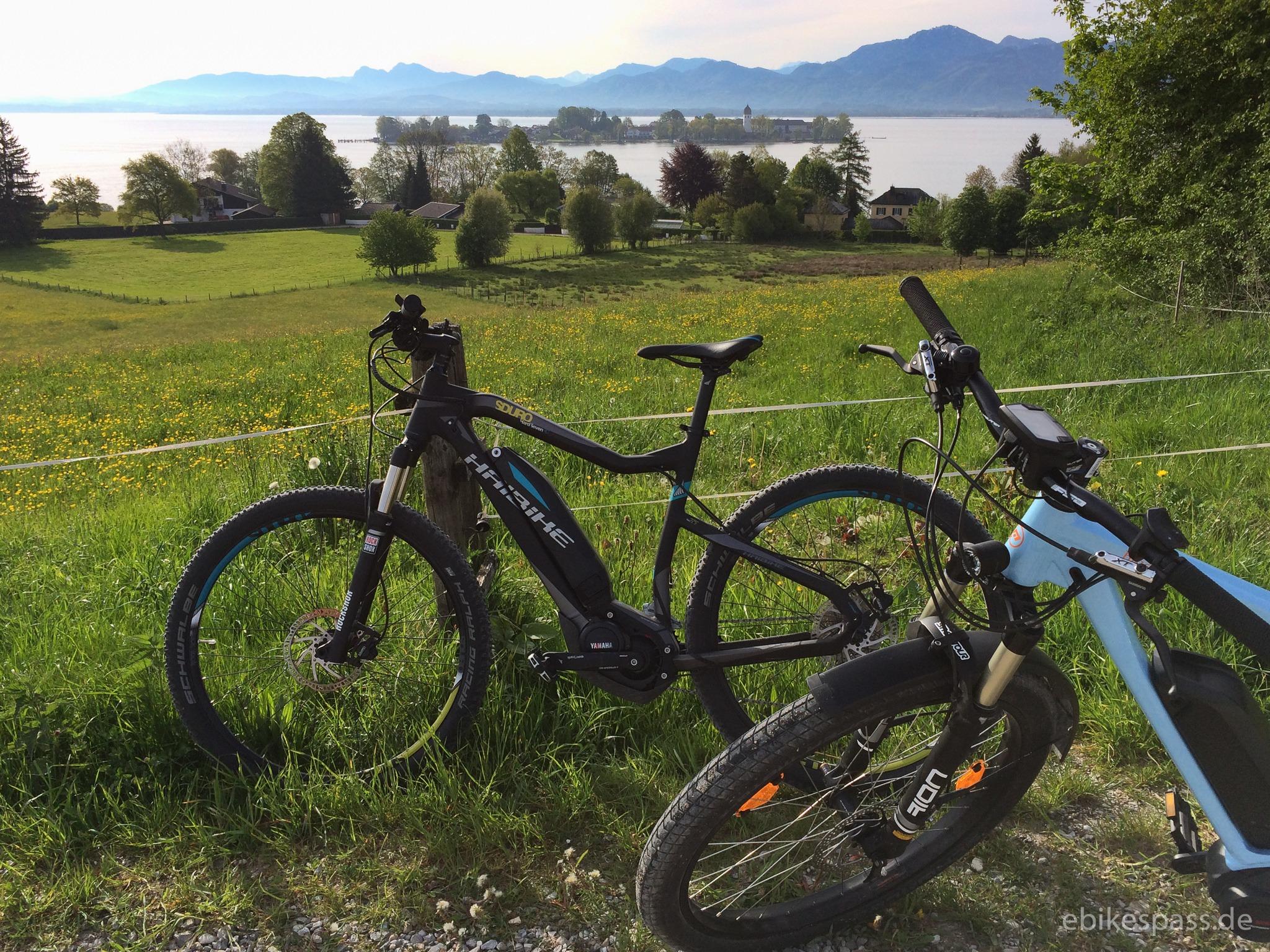 Unser E-Bike Duo über dem Chiemsee