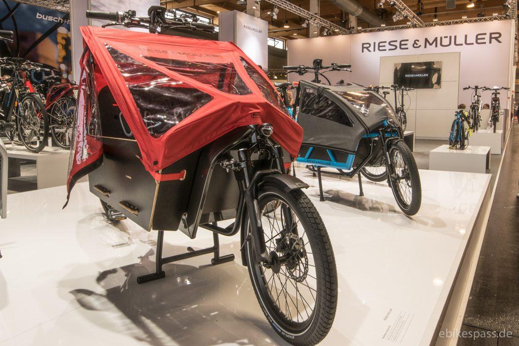 Mit Verrdeck: Lastenräder E-Cargo Packster und Load
