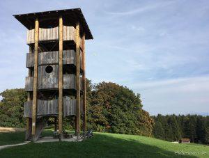 Der Aussichtsturm mit Zwei-Seen-Blick