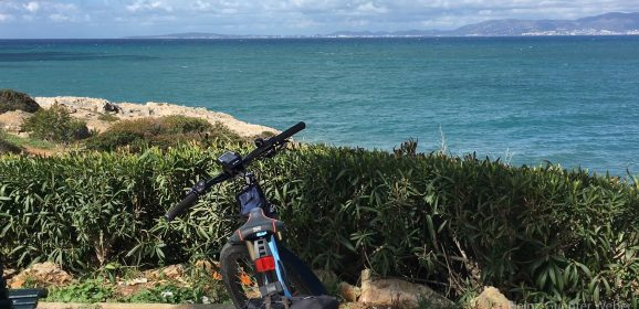 Mit dem E-Bike an der Playa de Palma
