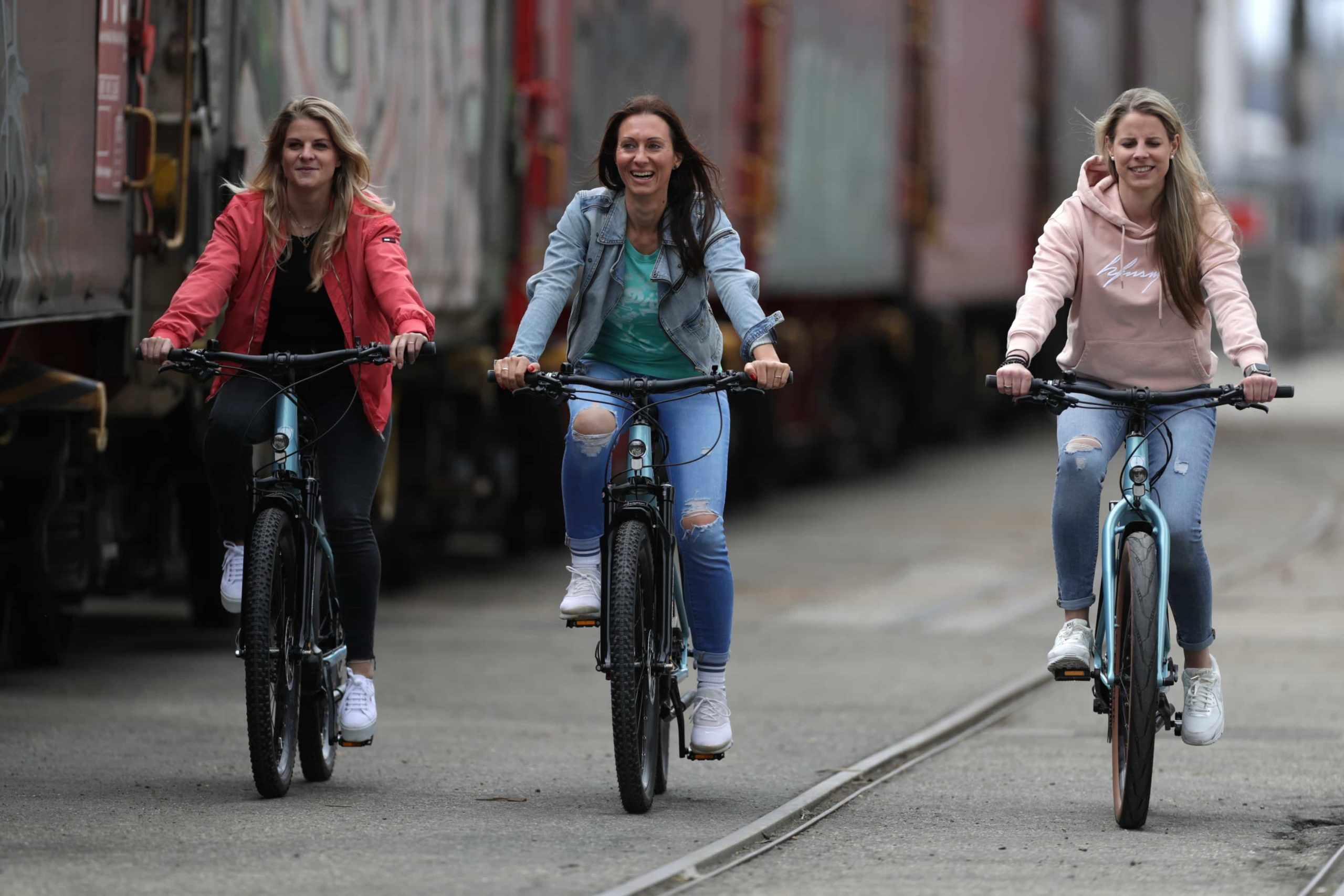 myvélo Trekking E-Bike Milano mit Shimano Steps E8000 (75 Nm) in Ice Blue, Akku 504 Wh